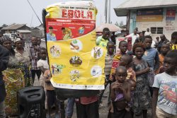 北キブ州・ゴマで地域住民に向けたエボラ出血熱の啓発活動を行う様子。(2019年8月撮影)