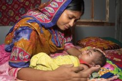 生後17日で肺炎の症状が現れ、8日間入院したバングラデシュのスマイヤちゃん。(2018年4月撮影)