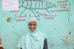 14歳のアヤテさんは学校のジェンダークラブで得た知識と励ましのおかげで、両親に結婚させられそうになったとき勇気を持ってノーと言うことができた。(2019年1月撮影,エチオピア)