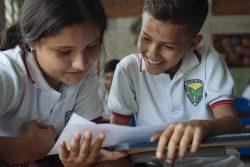 コロンビアの学校で授業を受ける子どもたち。(2019年4月撮影) ※本文との直接の関係はありません