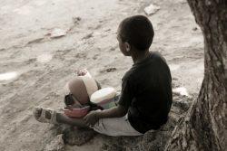 母親から繰り返し身体的虐待を受けた経験をもつ8歳のマヘリーくん。(マダガスカル、2019年2月撮影) ※本文との直接の関係はありません