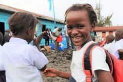 北キブ州・ゴマ郊外の村にある小学校で、エボラ出血熱の啓発イベントに参加する8歳のリアーナさん。(2019年9月撮影)