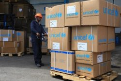ディレ・ダワやその他の地域に隔離センターを準備するために届いたユニセフの支援物資。(エチオピア、2020年3月17日撮影)