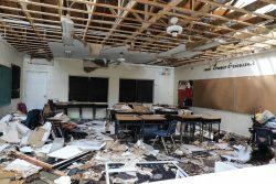 アバコ島のマーシュハーバーでハリケーン「ドリアン」の被害を受けた学校。(バハマ、2019年9月撮影)