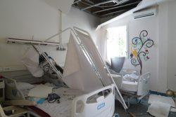 大規模爆発の被害を受け破壊された病院。 (2020年8月6日撮影)