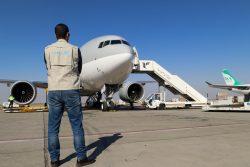個人用防護具(PPE)などのユニセフの医療物資を載せてテヘランの空港に到着した飛行機。(イラン、2020年3月撮影)