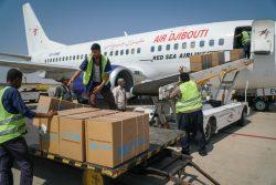 アデン空港に到着した医療物資と個人用防護具(PPE)の支援物資。(イエメン、2020年11月11日撮影)