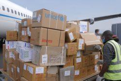 ゴマの空港に届いた、エボラ出血熱とCOVID-19に対応するための支援物資。(コンゴ民主共和国、2020年6月撮影)