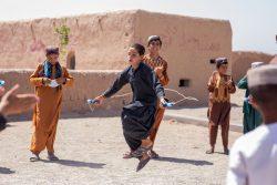 ヘラートの国内避難民キャンプにあるユニセフの子どもに優しい空間で、レクリエーションに参加し心理社会的支援を受ける子どもたち。(2021年9月1日撮影)