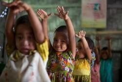 ダンスの練習をする子どもたち。(バングラデシュ)