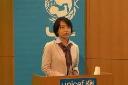 ミャンマーやタイでの現地調査を踏まえ、ビジネスと子どもの権利の接点や課題を説明する山田氏