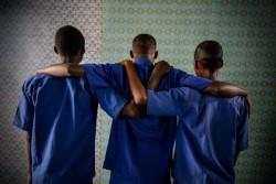 かつて武装グループと行動を共にしていた少年たち。現在は支援を受けて職業訓練や心のケアを受けている。