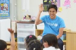 あさひ幼稚園に再訪した長谷部選手。
