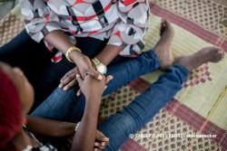 「夢は美容師になることです」と話す、HIVと共に生きる16歳の女の子。クリニックで心理社会的ケアを受けている(タンザニア)
