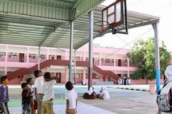 アデンのマンゾーラ学校に通う子どもたち。この学校は、紛争によって、一時閉鎖されていた。