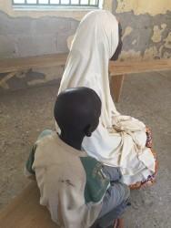 ナイジェリア北東部では紛争によって多くが家を追われ避難民キャンプに身を寄せている。