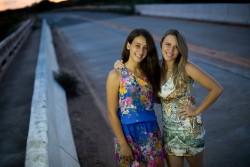 ブラジルの2人の少女(ブラジル・ミナスジェライス、2016年4月撮影)