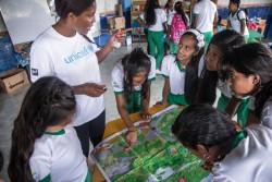 子どもたちを対象にした地雷回避ワークショップ。 (コロンビア、2016年3月撮影)