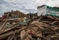 ハイチのジェレミー市西部では、ハリケーン・マシューによって多くの建物が倒壊した(2016年10月6日撮影)
