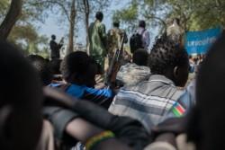 南スーダンで武装グループから解放された子どもたち(2016年10月26日撮影)。