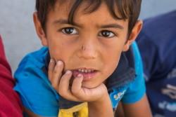 デバガ避難民キャンプで暮らす男の子。