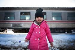 シリアのダマスカスから来た女の子。これから家族とドイツに向かう予定。(2017年1月7日、クロアチアで撮影)