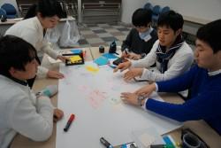 国際協力に関するゲームアプリ、ミスコン優勝者のユニセフ訪問などを提案した東京大学のみなさん。