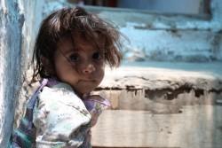 イエメンで国内避難民となった女の子(2015年4月撮影)※写真は本文と直接の関係はありません