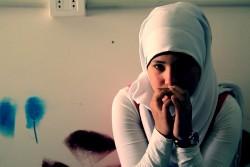「シリアにある私の学校は爆撃されました」と語る、アビールさん(13歳)。シリア難民として、レバノンで暮らしている。