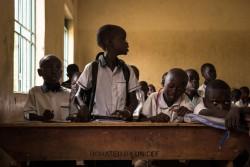 ユニセフは、2015年より教育科学技術省と協力して「再び学ぼう(Back to Learning)」キャンペーンを行っている(南スーダン・ジュバ)2017年3月16日撮影