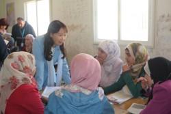 ザータリキャンプSchool1_D4_Grade11(age16)の授業を見学、シリア人の生徒達と交流