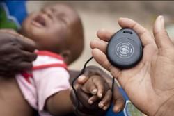 肺炎の診断に欠かせないタイマー。より簡易に正確に診断できるよう、ユニセフ・サプライ部門主導で改良版を開発している。肺炎は5歳未満の子どもの命を奪う主な病気のひとつ。