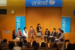 「日韓子どもにやさしいまちづくり自治体交流会」フリーディスカッションの様子