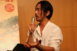 映画『ブランカとギター弾き』の長谷井宏紀監督がユニセフハウスでのトークショーに登壇しました