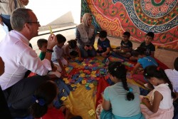 子どもたちが遊び、学び、心理社会的ケアを受けられる、子どもにやさしい空間(リビアのトリポリにて)