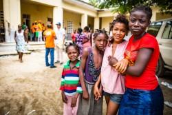 仮設のシェルターに滞在する子どもたち。(ハイチ・ワナマント)2017年9月8日撮影