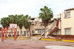 7日に発生した地震によって深刻な損傷を受けた学校(オアハカ州)。(2017年9月10日撮影)