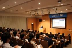 9月1日、ユニセフハウスにおいて、子どもに対する暴力撤廃をテーマに、公開セミナーを開催。