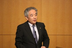 日本ユニセフ協会専務理事の早水研。