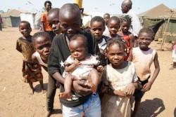 コンゴ民主共和国のカサイ地域で続く、暴力から逃れてきた子どもたち。(アンゴラ)2017年5月撮影