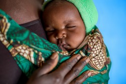 [RELEASE OBTAINED] Mothers and their babies have routine check ups at the Mfuta Health Centre, Kisenga, Democratic Republic of the Congo