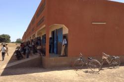ユニセフの支援により建設された校舎