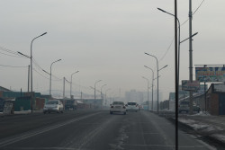 スモッグに覆われた街。(2018年1月16日撮影)