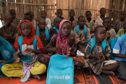 学校に通う武装勢力から逃れた子どもたち。(バンキ)2017年9月撮影