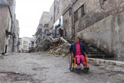 初めは恐怖で家から出られなかったサナアちゃんも、ユニセフの「子どもにやさしい空間」に通うことで心を開けるようになった。(シリア・アレッポ東部)2018年2月28日撮影