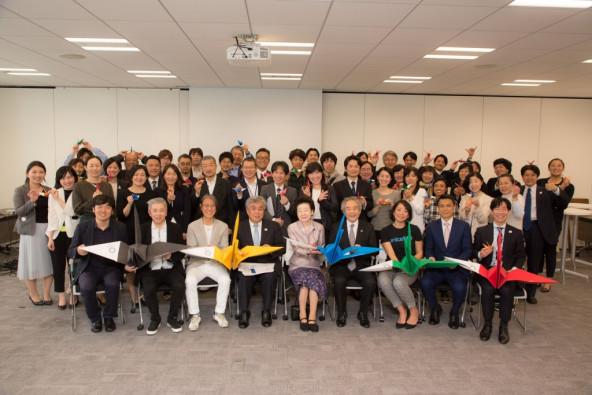 4月5日、東京2020組織委員会虎の門オフィスで開催した「キックオフミーティング」には、日本ユニセフ協会の協定地域組織(県協会)や大学、関係省庁など、様々な立場で日頃からユニセフや東京2020組織委員会の活動を支えてくださっている方々が駆けつけてくださいました。