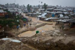 モンスーンの豪雨に見舞われるバルカリ難民キャンプ。(2018年6月12日撮影)