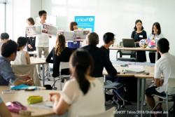 東京大学の学生団体UNiTeの「Empower Project」を報告する横山さんと田村さん(写真右)。金沢大学の砂子坂さんと広江さん(写真左)も「Empower 金沢」のメンバーとして、石川県内での活動の普及に取り組んでいる。