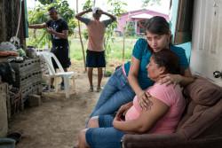 ホンジュラスで、家賃が支払えず強制退去の危機に直面する家族。(2018年5月8日撮影)