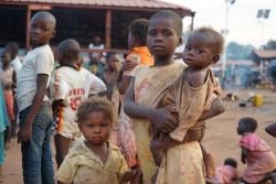 アンゴラからの大規模な帰還により、コンゴ民主共和国の8万人以上の子どもたちが人道支援を必要としている。